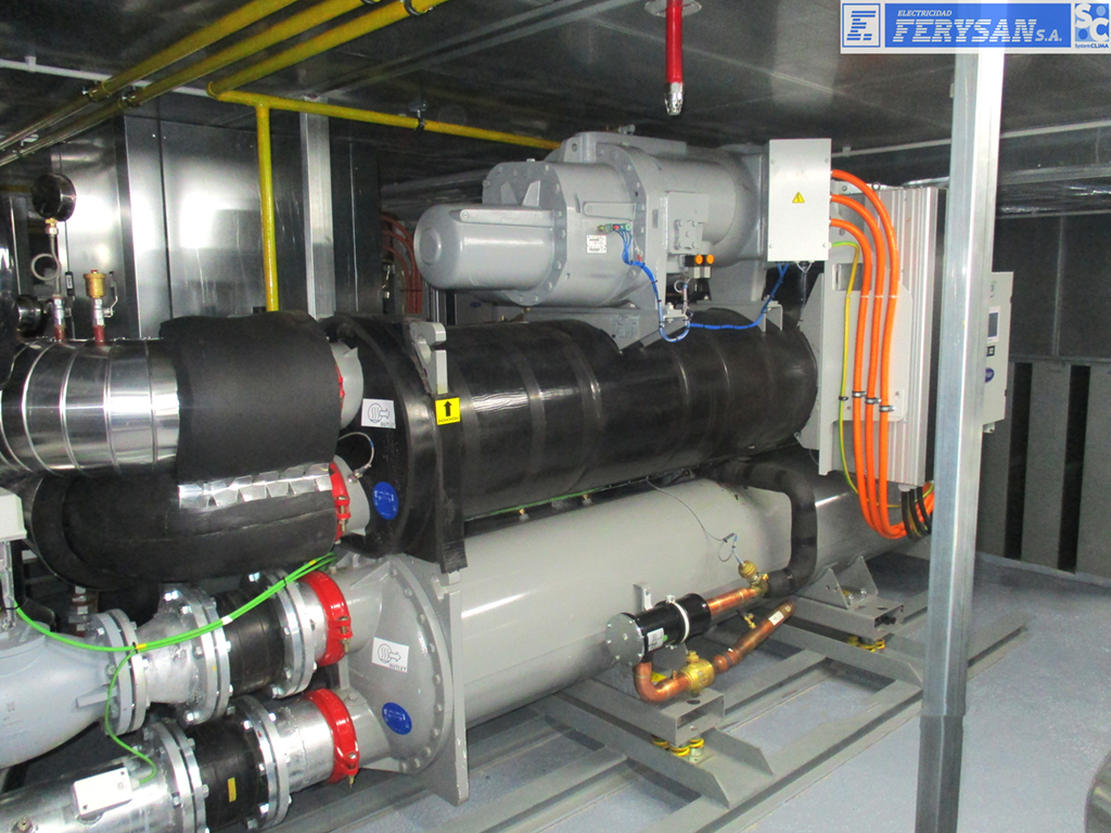 Enfriadora Agua de 732 kw.